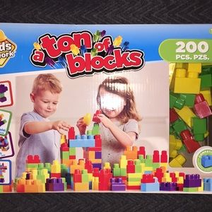 200 Block Pieces - Ton of Blocks Kids Great Gift